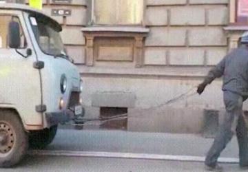 Une compilation d'évènements inusités captés par des dashcam en Russie; c'est vraiment fou!