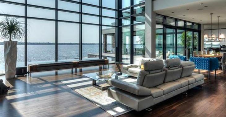 Cette magnifique maison à vendre au Québec pour 8.9 millions de dollars, la plus grosse surprise est le garage.