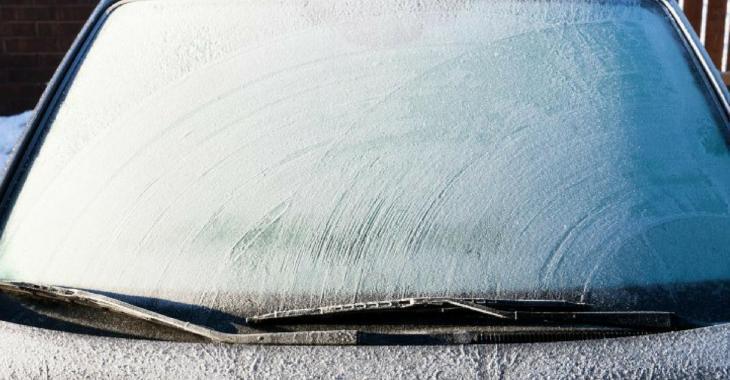 Ce météorologue dévoile la méthode parfaite pour déglacer vos vitres de voiture sans aucun effort