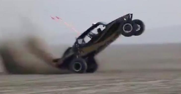 Ce bolide semble vraiment trop amusant à conduire! Son conducteur doit avoir un plaisir fou!