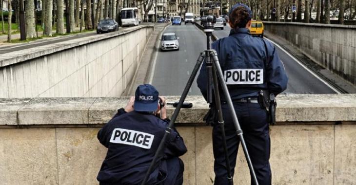 Le policier doit-il absolument vous montrer la vitesse sur le radar? Voici la réponse!