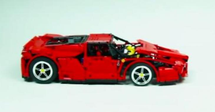 Il fabrique une Ferrari Enzo en Lego.... elle est fonctionnelle! Ayoye!