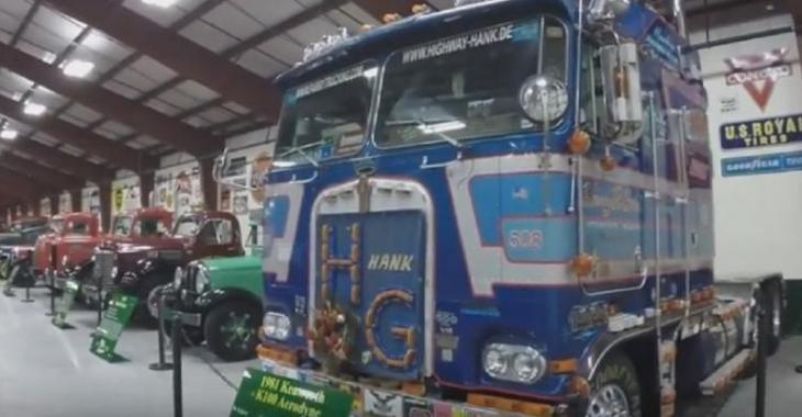 Un musée de vieux camions restaurés, il y en a à perte de vue!