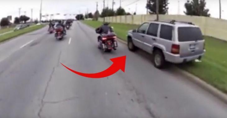 L'automobiliste est impatient et il dépasse ces motards, mais il va rapidement le regretter!