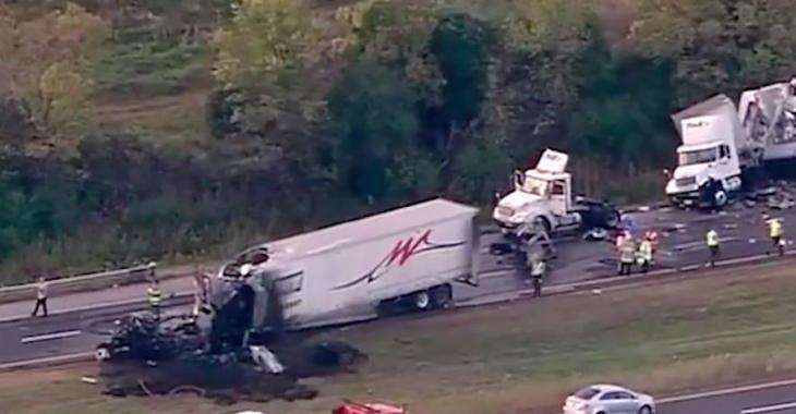 Un violent accident impliquant 3 poids lourds cause la fermeture d'une autoroute