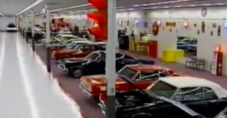 Un homme achète un Wal-Mart afin d'y mettre sa collection de voitures! C'est stupéfiant!
