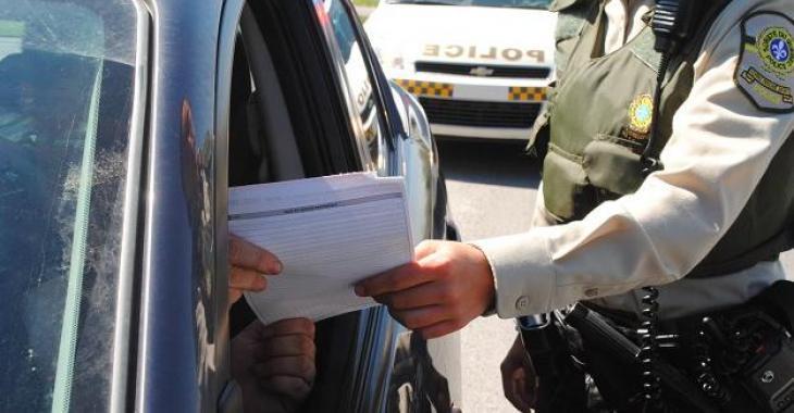 Un jeune homme roulant à 200KM/H écope d'une ridicule amende de 139$ sur l'autoroute 20!