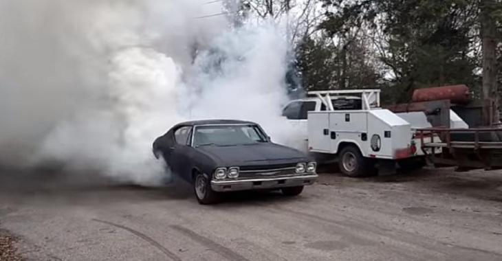 Le burnout de cette Chevelle Cummins 1968 est PARFAIT, le son est MÉCHANT!