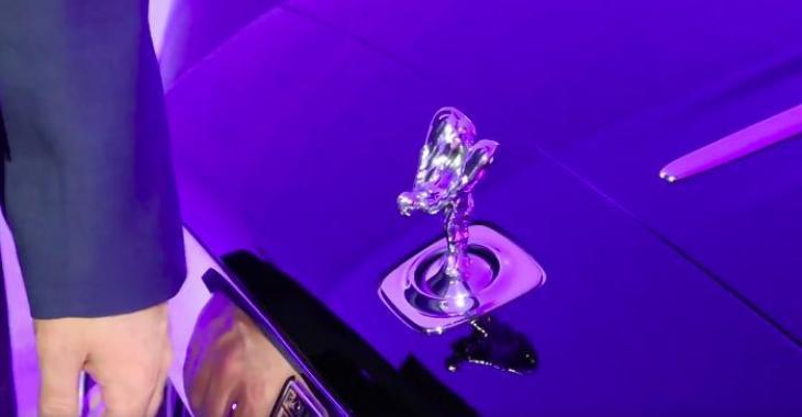 Cet homme tente de voler une pièce unique à chaque Rolls Royce, mais ce n'est pas si simple!