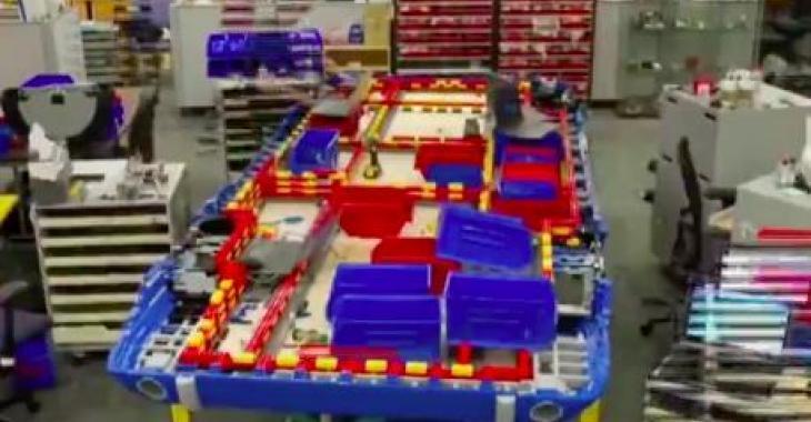 Ils construisent un Ford Mustang grandeur nature en LEGO! C'Est vraiment superbe!