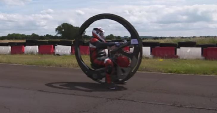 Il se fabrique une machine INCROYABLE, la moto à 1 roue la plus rapide au monde!