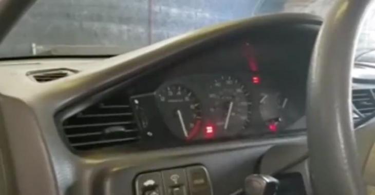 Quand les aiguilles de RPM et de vitesse retournent vers le 0....