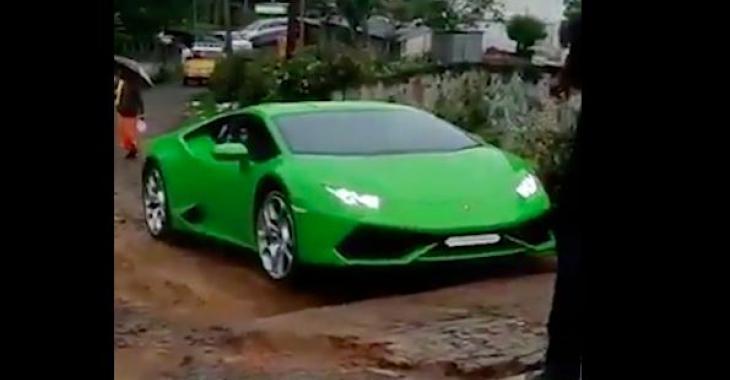 Un propriétaire de Lamborghini s'aventure sur un drôle de terrain... Pourquoi a-t-il fait ça?
