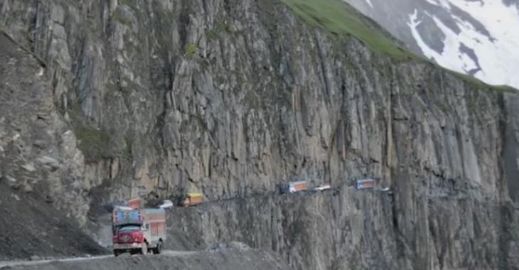 VIDÉO: Les 10 routes les plus dangereuses au monde!