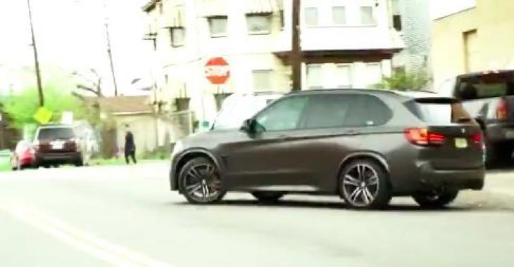 Un BMW X5M de 850HP fait la course contre un Jeep SRT8; une course qui semble injuste, mais pourtant... Ayoye!
