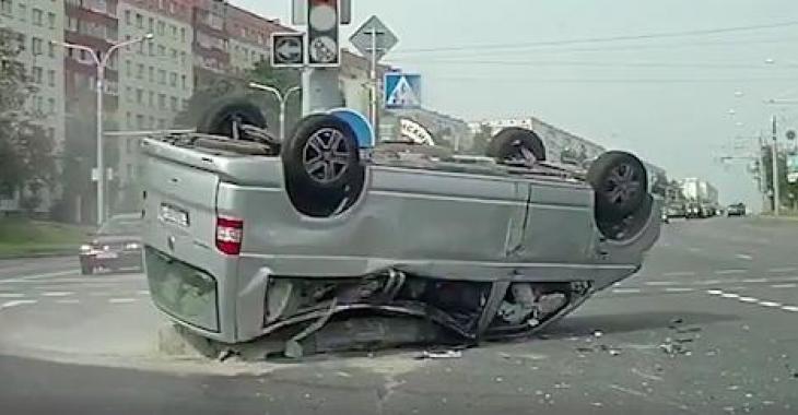 Une compilation d'accidents stupéfiants et effrayants! Les images donnent la chair de poule!