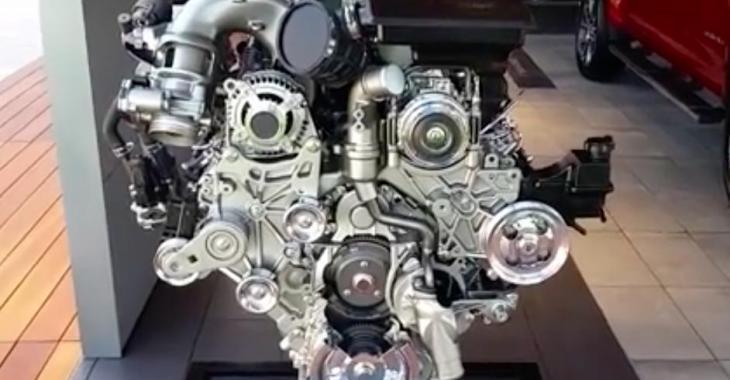 GM vous présente le nouveau moteur Duramax, et c'est réellement un monstre!