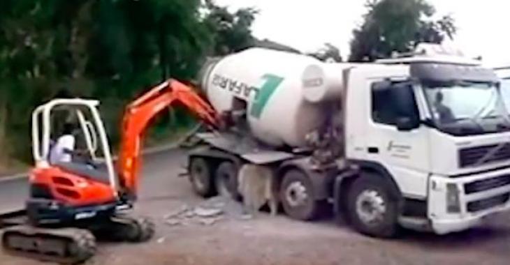 Des équipements lourds se retrouvent au coeur d'accidents qui semblaient inévitables et les images donnent la chair de poule!
