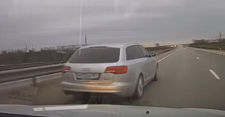 Le propriétaire de cette Audi est un IDIOT, il cause un accident inutile!