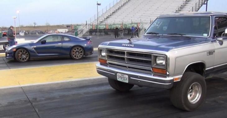 Ce vieux Dodge Ram arrive à la ligne de départ face à une GT-R, il surprend tout le monde!