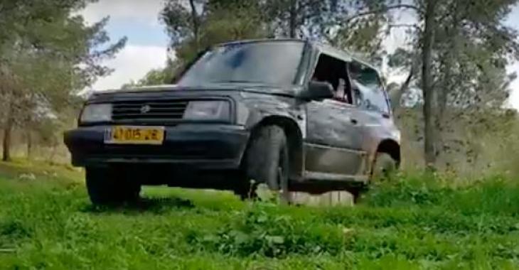 Il crée un vidéo extraordinaire afin de vendre sa vieille voiture, plus de 2 millions de personnes veulent maintenant l'acheter!