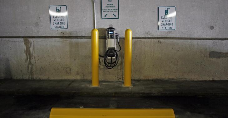 Désolé Tesla, il y a maintenant une voiture électrique avec une autonomie de 383 km!