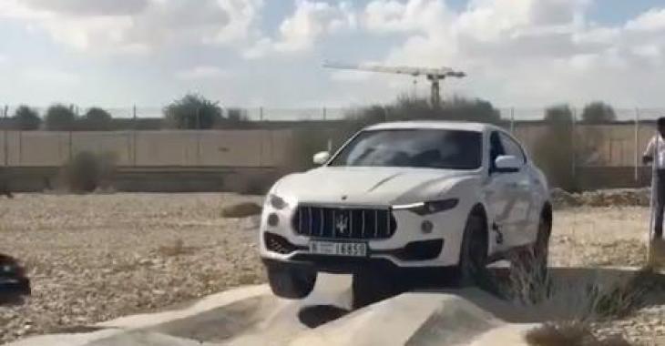 Voici un test de rigidité pour Maserati! Admirez le résultat! Wow !