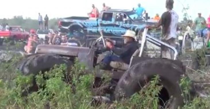 Ce Jeep n'a pas peur de rouler dans la bouette.... vous serez ébahis en le voyant au travail!