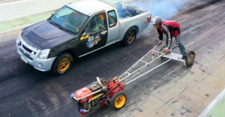 Il RIDICULISE totalement ce pick-up avec son petit tracteur modifié à bloc, c'est INCROYABLE!