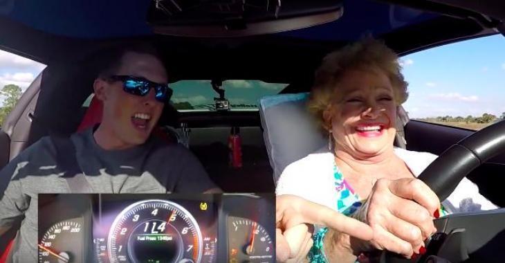 Cette grand-maman conduit la Corvette de son petit fils et s'amuse comme une enfant! Elle est géniale cette femme!