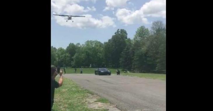 Une Bugatti Veyron fait la course contre un avion... qui remportera?