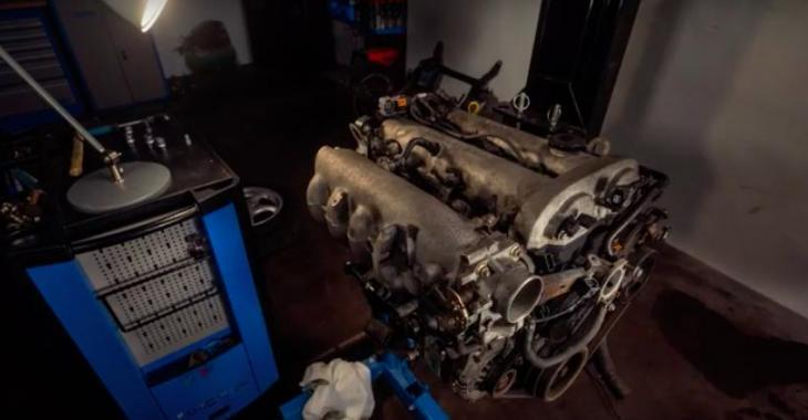 Un Time-Lapse épatant sur le démontage d'un moteur de Mazda; c'est tellement bien fait!