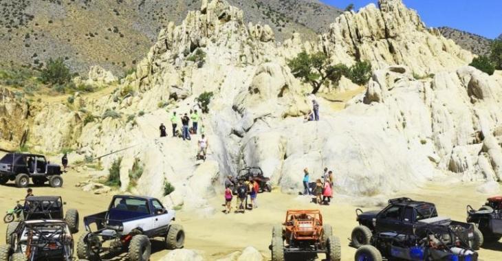 Quel est le meilleur véhicule pour escalader une montagne de roches?