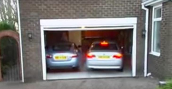 Il arrive à stationner 2 voitures dans son garage en utilisant ce système vraiment bien pensé!