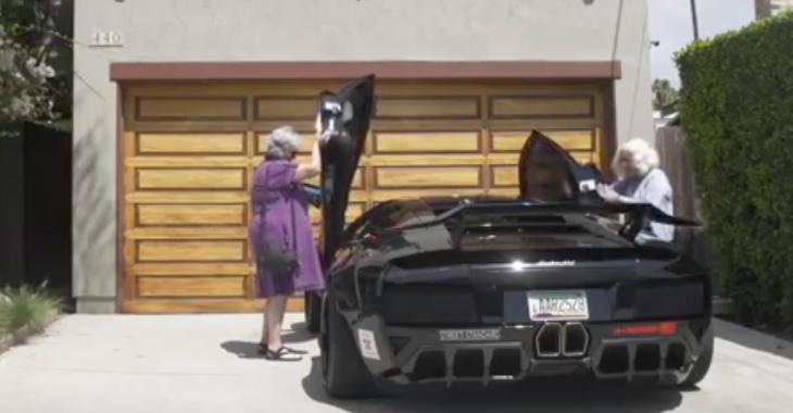 2 grand-mères, 1 Lamborghini :D