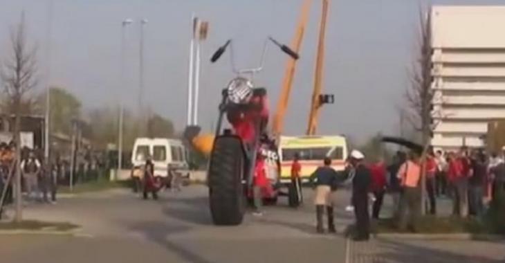 VIDÉO: La plus GROSSE moto au monde!