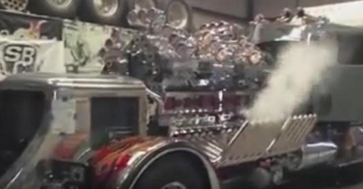 Ce camion fait sur mesure est INCROYABLE, 24 cylindres et 12 supercharges ça sonne!