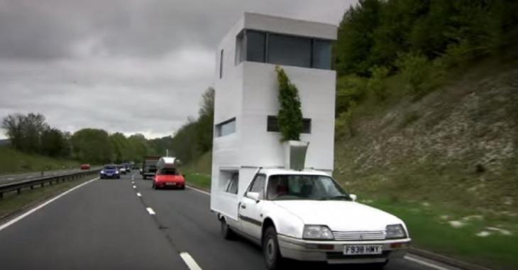 Ils se fabriquent des camping-cars sur mesure très surprenants, attendez de voir la maison en briques!