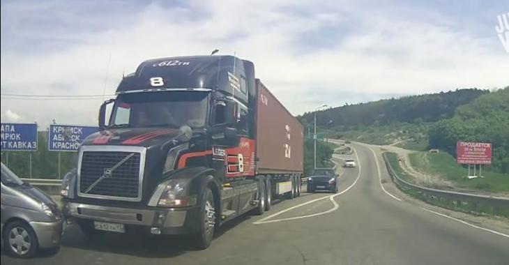 Des camions, juste des camions!
