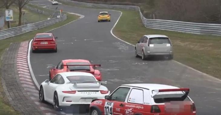 Ce moment atroce quand une Golf MK2 s'éclate dans le derrière d'une Porsche 911 GT3, c'est triste!
