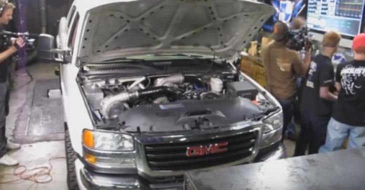 Ils installent un turbo sur le DURAMAX pour ajouter de la performance, le ciel lui tombe sur la tête!