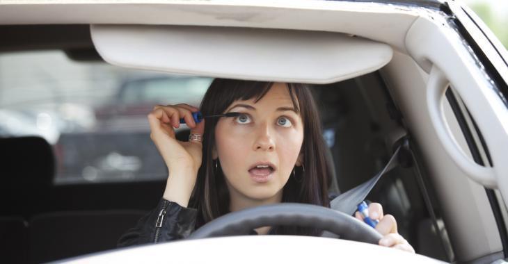 Une étude démontre que les femmes sont de meilleures conductrices que les hommes.