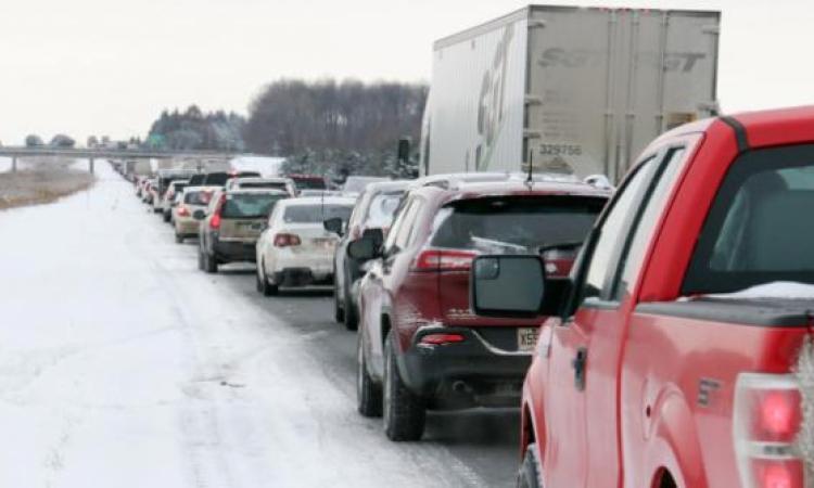 Top 10 des sections de route où il y a le plus de traffic au Canada: Montréal et Toronto volent la vedette!!!